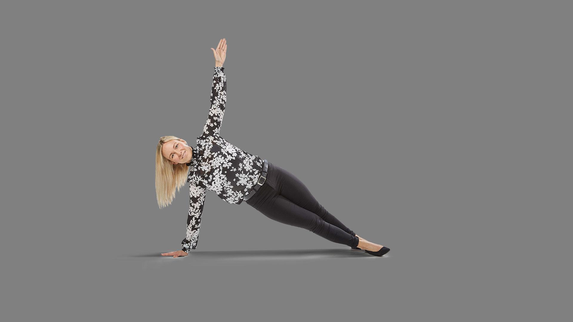 Mitarbeiterin Jessica in Yoga Pose